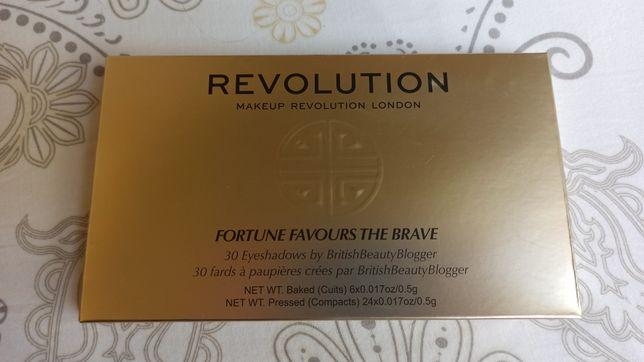 Makeup Revolution paleta cieni