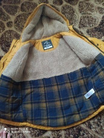 Курточка Деми на 5 6 годиков фирменная