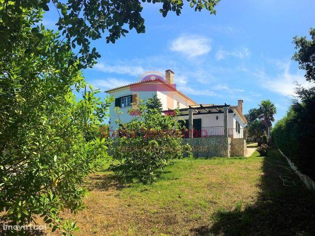 Moradia, isolada, T4, charme, glamorosa, jardim e garagem