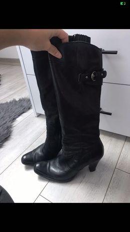 Wysoki buty na obcasie zimowe