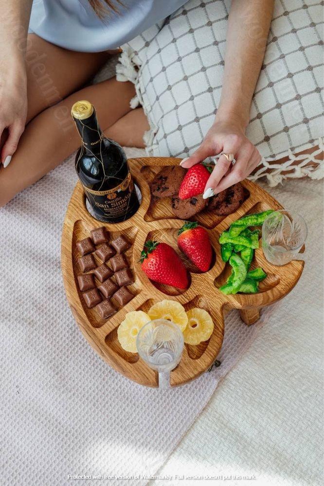 Винный столик СЕРДЦЕ