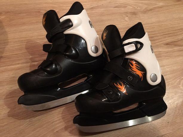 Новые черно белые коньки rookie 35 р(обмен нет)