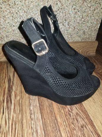 Босоніжки взуття обувь