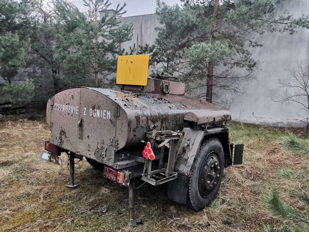 Przyczepa do traktora 1000l