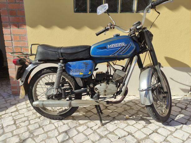 Motorizada Macal 2100