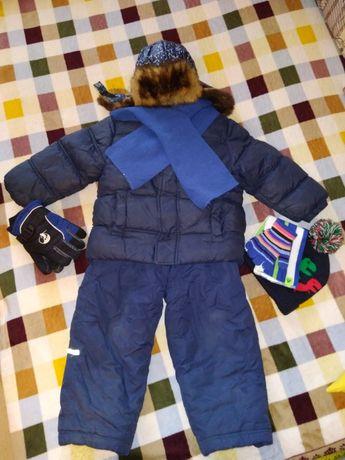 Цена за все!!!Куртка зимняя,шапка зимняя,полукомбинезон.