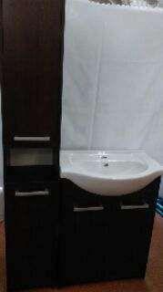Meble łazienkowe, szafka z umywalką i słupek. Nowe