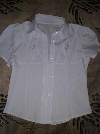 Школьная блузка в отличном состоянии