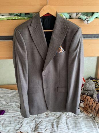Класичний чоловічий італійський костюм, розмір 48