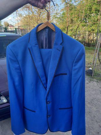 Продам мужской костюм 52 размер, и 50 размер