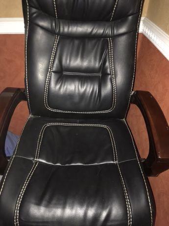 Офісне крісло НОВЕ