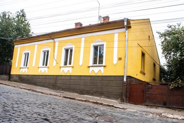 Особняк дом в самом центре города Черновцы плюс земля 6.2 сот кад. Ном