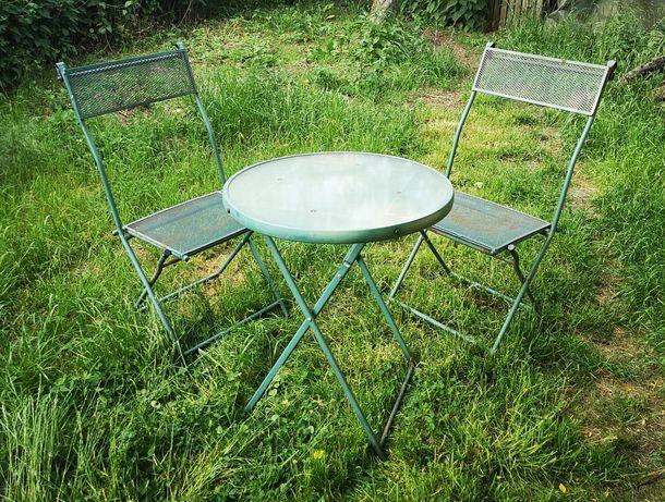 Krzesła i stolik Zestaw stylowych metalowych mebli ogrodowych