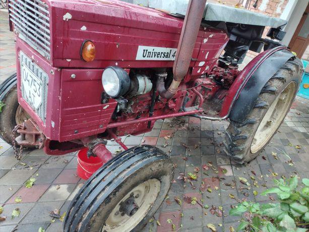 Трактор UNIVERSAL V- 445