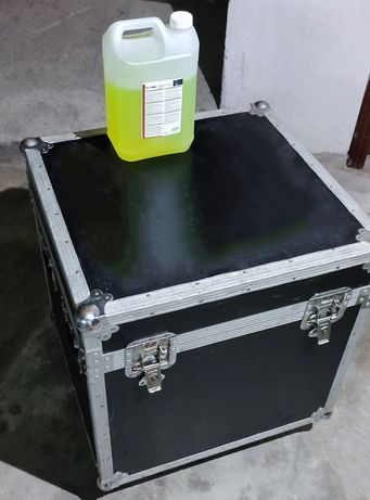 Flight case/Malāo com rodas travão