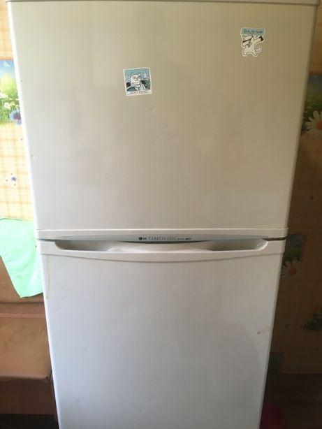 чудовий Холодильник LG ( no-frost) GR-332SF (б/у)