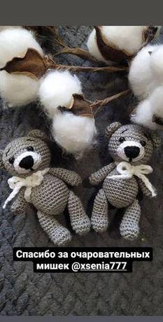 Вязаные мишки амигурумми.