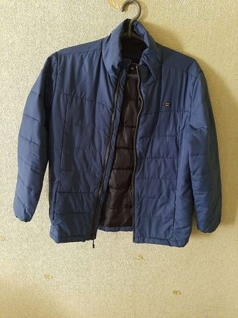 Куртка фирмы BILLABONG