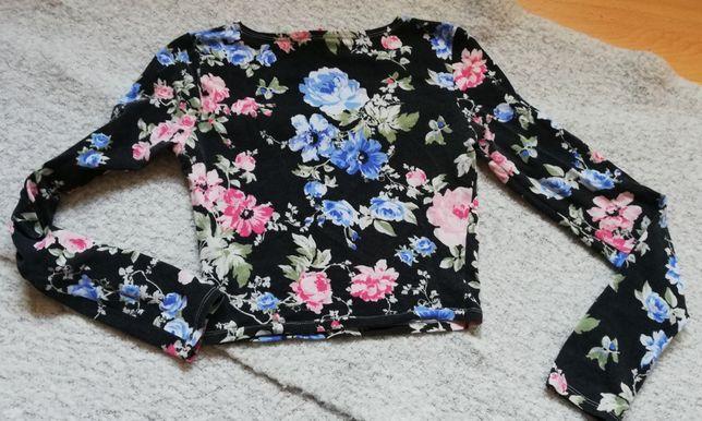 Bluzka w kwiaty do pępka