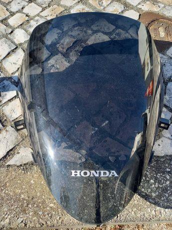 Viseira  Honda em bom estado.
