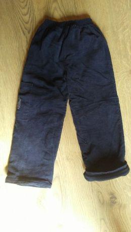 Spodnie chłopięce sztruksowe grube r.110
