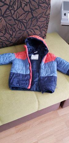 Продам осенью курточку на мальчика