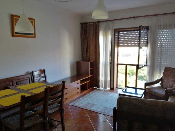 Apartamento T2 para arrendar totalmente equipado na Praia da Barra