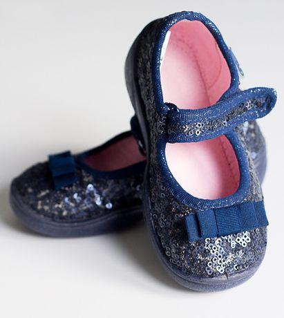 Cekinowe pantofle Befado rozmiar 22