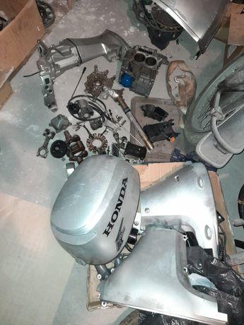 Czesci Silnik zaburtowy Honda BF20 '06 czapa boczki czesci 20 km bf15
