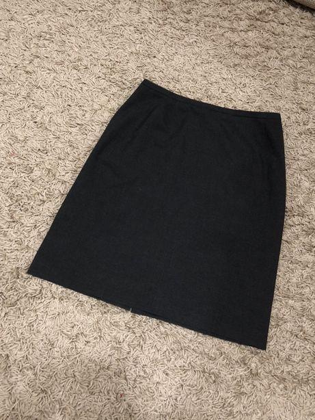 Серая юбка карандаш L размер