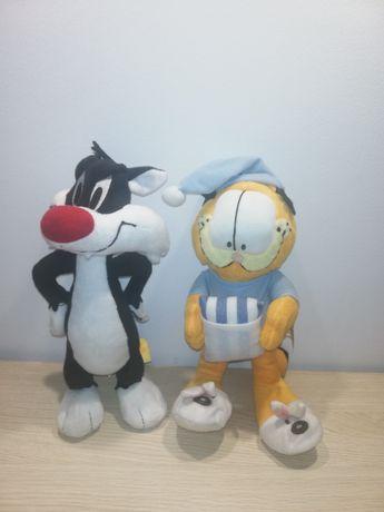 Maskotki Garfield i Sylwester