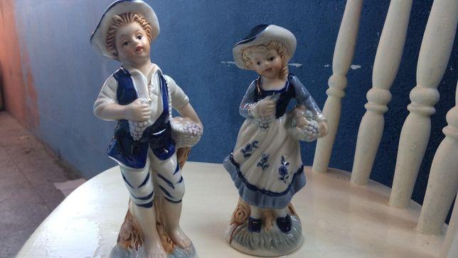 Estatuetas em Loiça muito bonitas, ofereço os portes, preço por peça