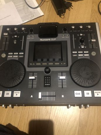 Numark iDJ2 DJ Console Workstation with iPod