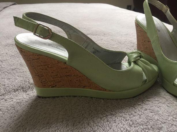 Sandały, buty na koturnie 41 r. Jak nowe