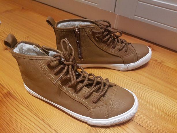 Brązowe trampki , ocieplane buty
