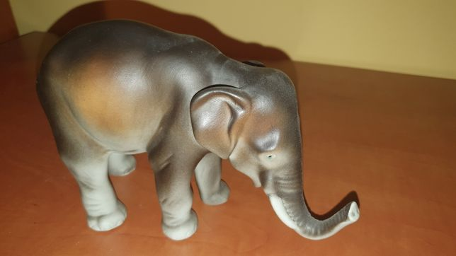 Figurka porcelanowa słoń- Royal Dux