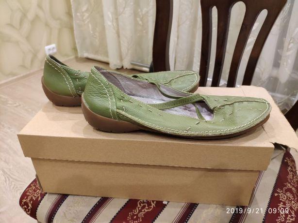 натуральные кожаные туфли, 38 р.