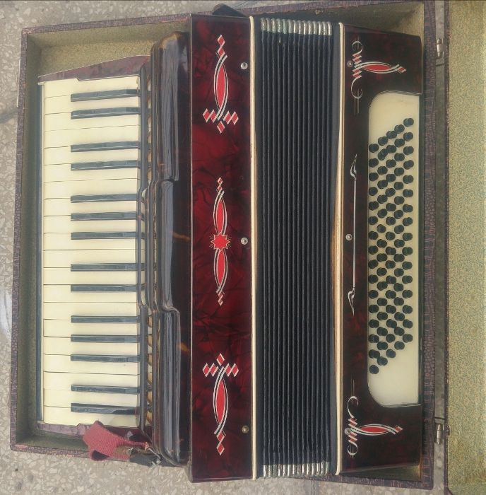 Akordeon ,,HOHNER'' TANGO- 80 basowy,3 chórowy. Nowa Sól - image 1