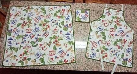 Conjunto de Cozinha com Bules (Toalha, Avental e Pega)