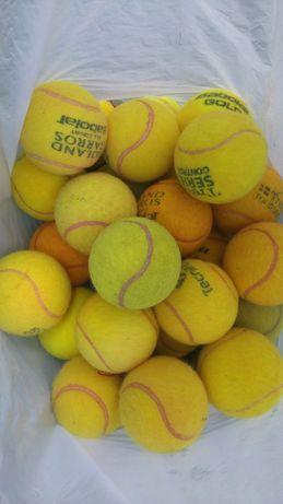 Piłki do tenisa ziemnego markowe grane na kortach ziemnych
