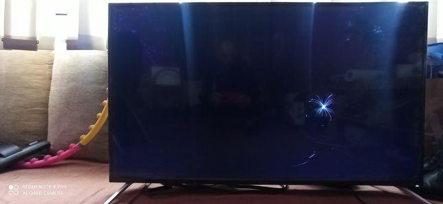 sprzedam telewizor uszkodzoną matrycą!
