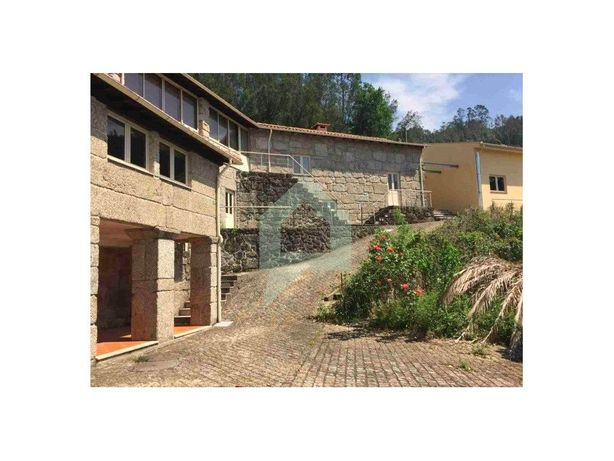 Propriedade com casa em pedra 9 quartos, Moimenta, Terras...
