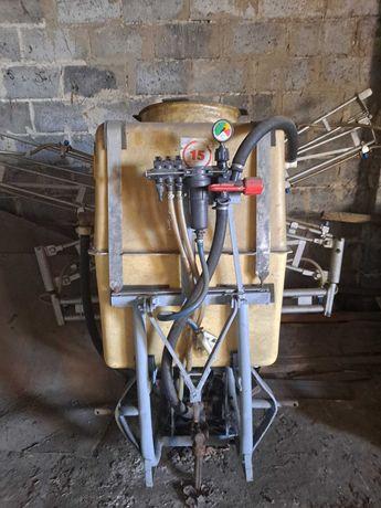 Opryskiwacz rolniczy do ciągnika z lancami i atestem 400l