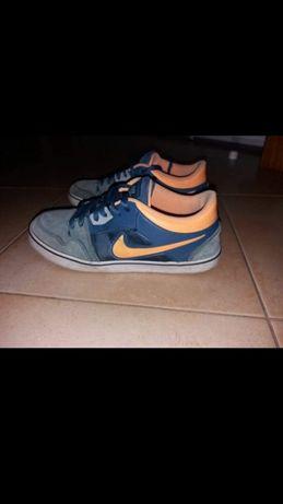 """Vendo sapatilhas casuais """"Nike SB"""""""
