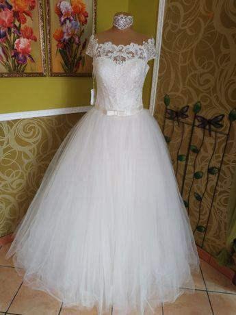 Платье свадебное Papillion со шлейфом .