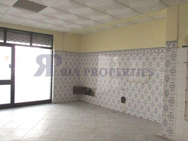 Espaço comercial com 209 m² na baixa da cidade de Olhão!