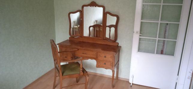 Toaletka drewniana z lustrem + krzesło