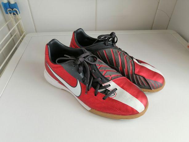 Chuteira Futsal Nike T90