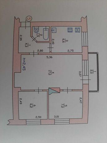 Продам квартиру в центрі Красилова