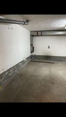 Miejsce postojowe w garażu podziemnym Zapustna 10B